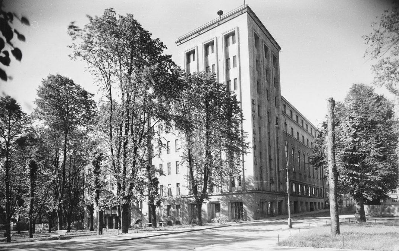 Vanha kuva Tampereen työväentalosta